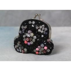 Lille pung besat med perler
