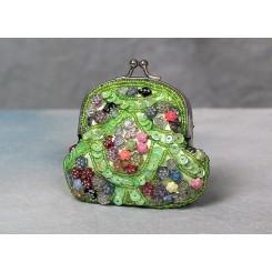 Lille pung besat med perler - grøn.