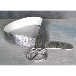 Bælte med flot præget mønster sølv