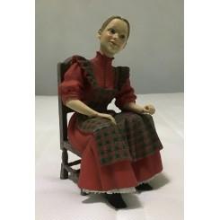 Fru Karin på stol